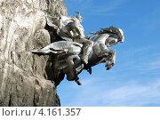 Купить «Скульптура Святого Георгия у святилища Ныхасы Уастырджи», фото № 4161357, снято 2 декабря 2012 г. (c) fotobelstar / Фотобанк Лори