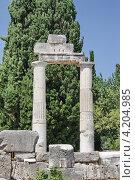 Часть античной колоннады. Стоковое фото, фотограф Анатолий Баранов / Фотобанк Лори