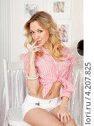 Купить «Портрет красивой девушки», фото № 4207825, снято 14 октября 2012 г. (c) Литвяк Игорь / Фотобанк Лори