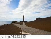 Купить «Остров Файал, старый маяк», фото № 4252885, снято 4 мая 2012 г. (c) Юлия Бабкина / Фотобанк Лори