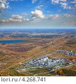 Купить «Нефтеперерабатывающий завод в Западной Сибири», фото № 4268741, снято 15 сентября 2011 г. (c) Владимир Мельников / Фотобанк Лори