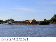 Баржа на реке (2012 год). Редакционное фото, фотограф Артём Садовников / Фотобанк Лори
