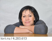 Портрет женщины средних лет. Стоковое фото, фотограф Елена Соболева / Фотобанк Лори
