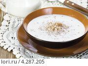 Купить «Гречневая каша с молоком», эксклюзивное фото № 4287205, снято 8 февраля 2013 г. (c) Александр Курлович / Фотобанк Лори