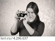 Девушка с фотоаппаратом (2012 год). Редакционное фото, фотограф Наталия Пухова / Фотобанк Лори