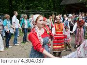 Купить «Праздник Троицы в Нижнем Новгороде», фото № 4304037, снято 2 июня 2012 г. (c) Igor Lijashkov / Фотобанк Лори