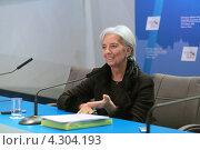 Купить «Кристин Лагард (Christine Madeleine Odette Lagarde) - директор-распорядитель Международного валютного фонда (МВФ) на пресс-конференции посвященной предстоящему саммиту G20», фото № 4304193, снято 16 февраля 2013 г. (c) Игорь Долгов / Фотобанк Лори