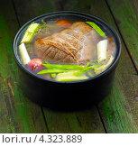 Купить «Кастрюля с говядиной и овощами», фото № 4323889, снято 29 августа 2010 г. (c) Food And Drink Photos / Фотобанк Лори