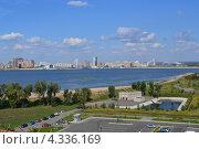 Казань, вид со смотровой площадки Кремля (2012 год). Редакционное фото, фотограф Виктор Бартенев / Фотобанк Лори