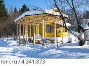 Купить «Строительство беседки на дачном участке», эксклюзивное фото № 4341873, снято 24 февраля 2013 г. (c) Елена Коромыслова / Фотобанк Лори
