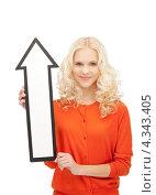 Купить «Привлекательная девушка с нарисованной стрелкой на белом фоне», фото № 4343405, снято 20 сентября 2019 г. (c) Syda Productions / Фотобанк Лори
