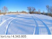 Купить «Зимний пейзаж, поле в снегу», фото № 4343805, снято 16 декабря 2012 г. (c) Игорь Ткачёв / Фотобанк Лори