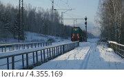 Купить «Маневровый тепловоз с ремонтным прицепом», видеоролик № 4355169, снято 10 января 2013 г. (c) Konstantin Kartashov / Фотобанк Лори