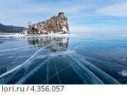 Купить «Байкал зимой. Скальный остров Бакланий камень», фото № 4356057, снято 2 марта 2013 г. (c) Виктория Катьянова / Фотобанк Лори