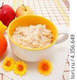 Купить «Здоровый полезный завтрак», эксклюзивное фото № 4356649, снято 3 марта 2013 г. (c) Наталья Осипова / Фотобанк Лори