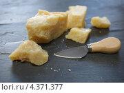 Купить «Сыр пармезан», фото № 4371377, снято 7 марта 2013 г. (c) Stockphoto / Фотобанк Лори