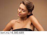 Купить «Юная девушка с красиво уложенными волосами», фото № 4380689, снято 28 августа 2011 г. (c) Syda Productions / Фотобанк Лори