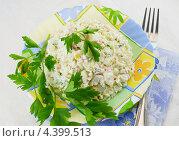 Салат из крабовых палочек. Стоковое фото, фотограф Наталья Спиридонова / Фотобанк Лори