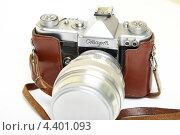 Купить «Старая пленочная фотокамера», эксклюзивное фото № 4401093, снято 14 марта 2013 г. (c) Яна Королёва / Фотобанк Лори