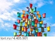 Разноцветные скворечники. Стоковое фото, фотограф Лукиянова Наталья / Фотобанк Лори