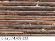Стена из старых брёвен. Стоковое фото, фотограф Владимир Нестеренко / Фотобанк Лори