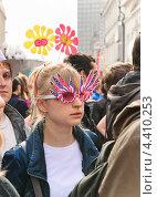 """Купить «Участница парада мыльных пузырей """"Dreamflash""""», эксклюзивное фото № 4410253, снято 22 апреля 2012 г. (c) Алёшина Оксана / Фотобанк Лори"""