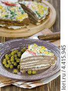 Купить «Торт из печёночных оладий с майонезом», эксклюзивное фото № 4415945, снято 1 марта 2013 г. (c) Александр Курлович / Фотобанк Лори