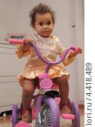 Ребенок на велосипеде. Стоковое фото, фотограф Анна Гончар / Фотобанк Лори