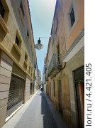 Старая узкая улица в Испании (2011 год). Стоковое фото, фотограф Анфимов Леонид / Фотобанк Лори
