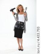 Купить «Женщина-парикмахер в полный рост», фото № 4433793, снято 18 июня 2010 г. (c) Phovoir Images / Фотобанк Лори