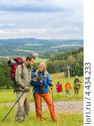 Купить «Молодая пара в походе», фото № 4434233, снято 11 августа 2012 г. (c) CandyBox Images / Фотобанк Лори