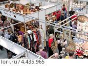 Купить «Выставка-ярмарка «Блошиный рынок» на Тишинке, Москва», эксклюзивное фото № 4435965, снято 23 марта 2013 г. (c) Илюхина Наталья / Фотобанк Лори