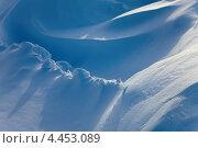 Фактурный снежный сугроб. Стоковое фото, фотограф Владимир Мельников / Фотобанк Лори