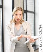 Купить «Уставшая бизнес леди с деловыми бумагами в офисе», фото № 4465797, снято 17 июня 2012 г. (c) Syda Productions / Фотобанк Лори