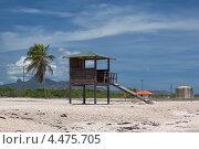 Спасательная вышка на пляже в тропиках (2012 год). Стоковое фото, фотограф Кравченко Юлия / Фотобанк Лори