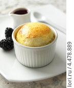 Купить «Формочка с суфле из белого шоколада», фото № 4478889, снято 20 марта 2019 г. (c) Food And Drink Photos / Фотобанк Лори