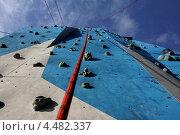 Тренировка на скалодроме, альпинизм. Экстремальный вид спорта. Стоковое фото, фотограф Татьяна Четвертакова / Фотобанк Лори