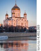 Храм Христа Спасителя на рассвете (2012 год). Стоковое фото, фотограф Георгий Курятов / Фотобанк Лори