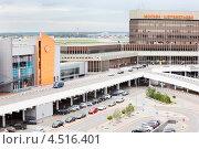 Купить «Парковка в аэропорту Шереметьево, Москва», фото № 4516401, снято 22 сентября 2011 г. (c) Losevsky Pavel / Фотобанк Лори
