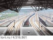 Купить «Вид на железнодорожную станцию», фото № 4516861, снято 25 ноября 2011 г. (c) Losevsky Pavel / Фотобанк Лори