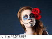 Купить «Портрет девушки с макияжем зомби и алыми розами в волосах», фото № 4517897, снято 12 ноября 2011 г. (c) Losevsky Pavel / Фотобанк Лори