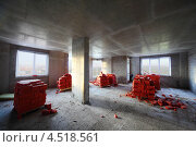 Купить «Строящийся этаж в доме с блоками кирпичей», фото № 4518561, снято 5 октября 2011 г. (c) Losevsky Pavel / Фотобанк Лори
