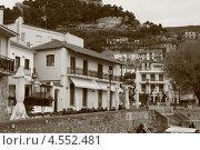 Набережная города Нафпактоса в Греции (2013 год). Редакционное фото, фотограф Анна Романова / Фотобанк Лори