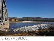 Река Мана вскрылась ото льда. Стоковое фото, фотограф Елена Бачурина / Фотобанк Лори