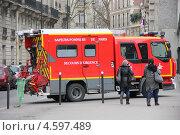 Пожарная машина, Париж (2012 год). Редакционное фото, фотограф Наталья Данченко / Фотобанк Лори