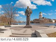 Выборг. Памятник Ф.М.Апраксину (2013 год). Редакционное фото, фотограф Румянцева Наталия / Фотобанк Лори