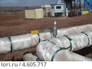 Купить «Спускник воздуха на трубопроводах тепловой сети», эксклюзивное фото № 4605717, снято 9 мая 2013 г. (c) Валерий Акулич / Фотобанк Лори