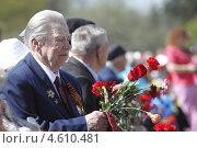 Балашиха, Яганов Н.М. ветеран Великой Отечественной войны 1941-1945 гг. на сцене 9 мая 2013 года. Редакционное фото, фотограф Дмитрий Неумоин / Фотобанк Лори
