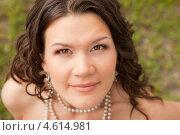 Портрет молодой красивой женщины. Стоковое фото, фотограф Александр Жильцов / Фотобанк Лори