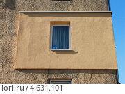 Купить «Внешнее утепление части дома», эксклюзивное фото № 4631101, снято 14 мая 2013 г. (c) Наташа Антонова / Фотобанк Лори